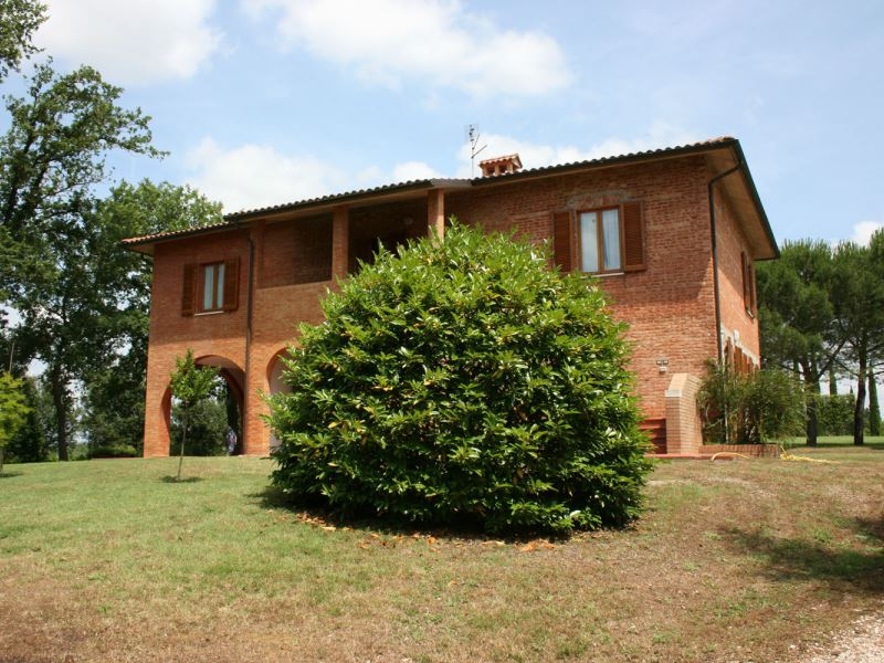 La Contea villa with private pool, tennis court, sleeps 12