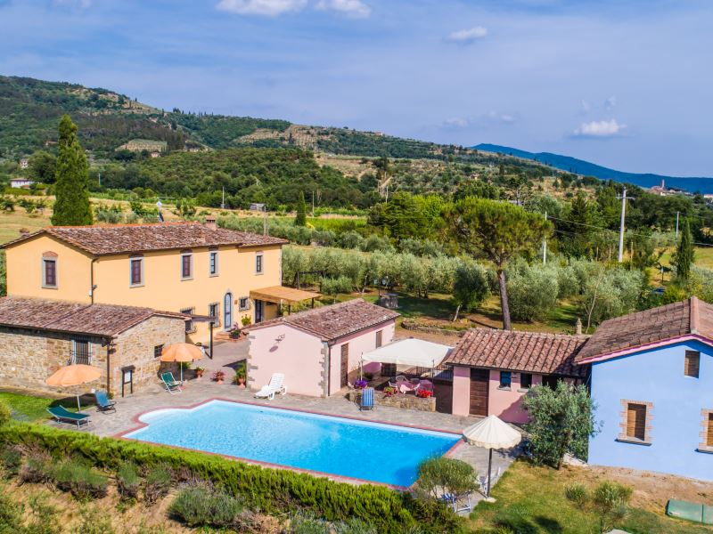 Villa La Crosticcia, sleeps 12, private pool, breakfast available