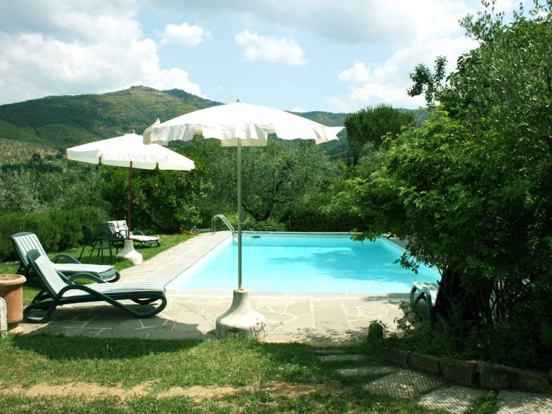 Private pool for Collina dei Fiori sleeps 6 shared tennis