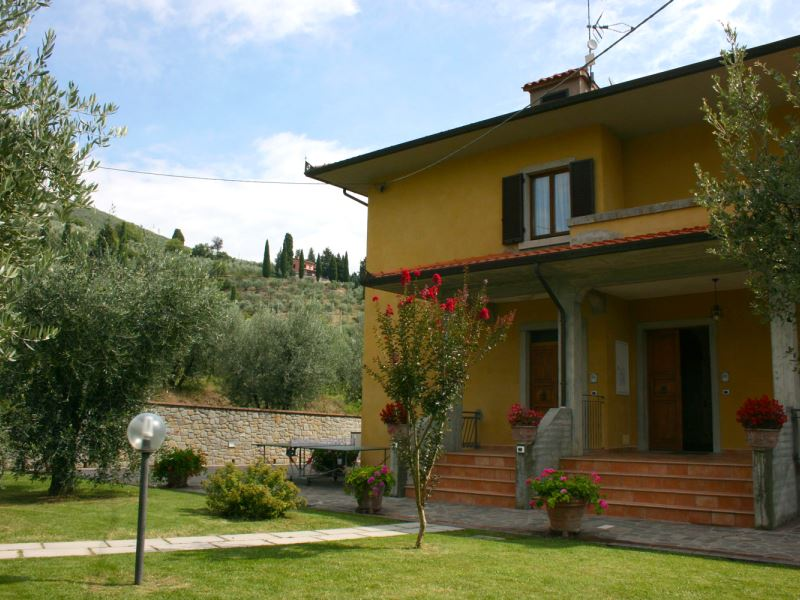La Pietraia, sleeps 8, private pool, walk to town