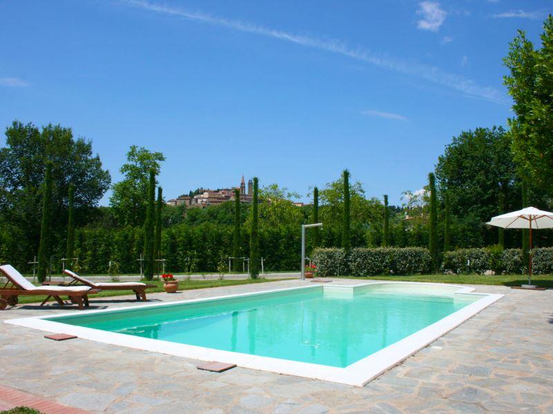 Private pool at Villa Cappuccini, walk to town