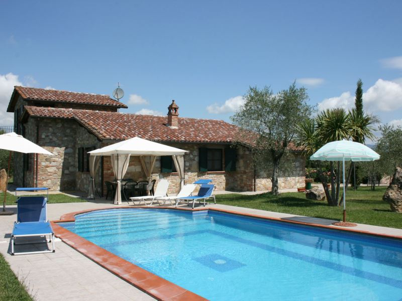 Villa Marty, sleeps up to 8, near Lake Trasimeno, Umbria