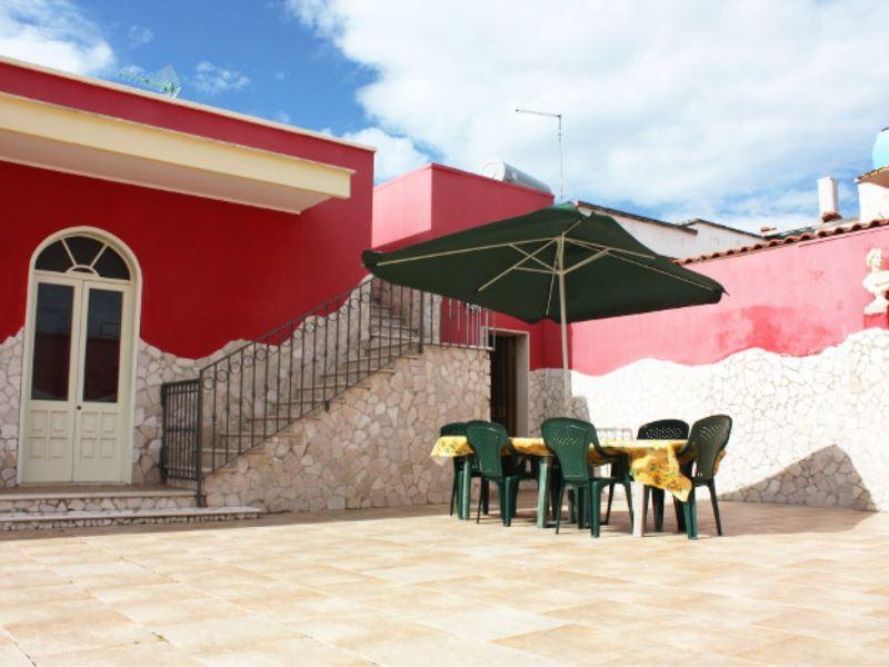 Villetta Julia, alloggio con 3 camere letto e giardino