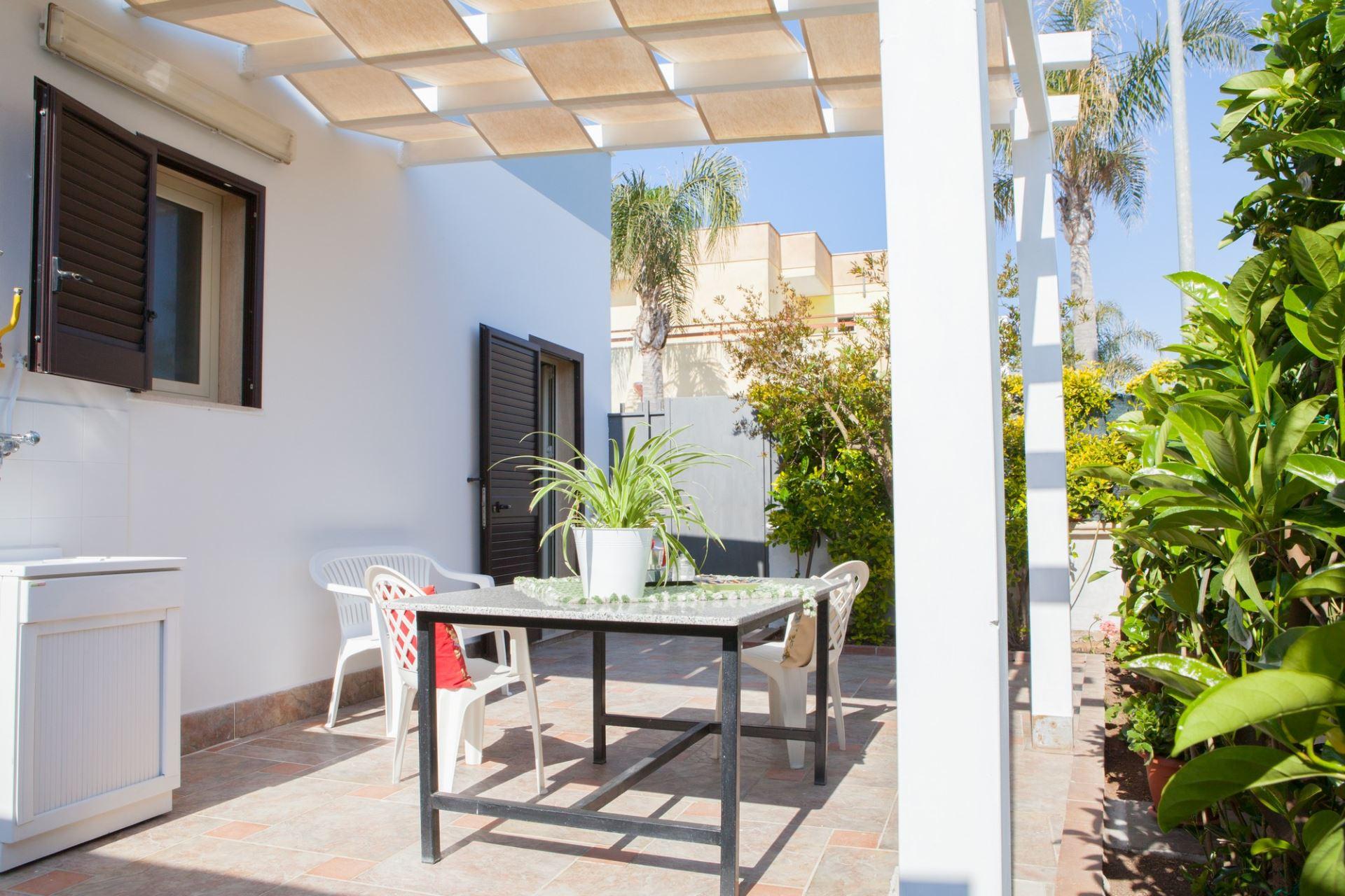 Casa Giusi, bilocale ristrutturato con giardino
