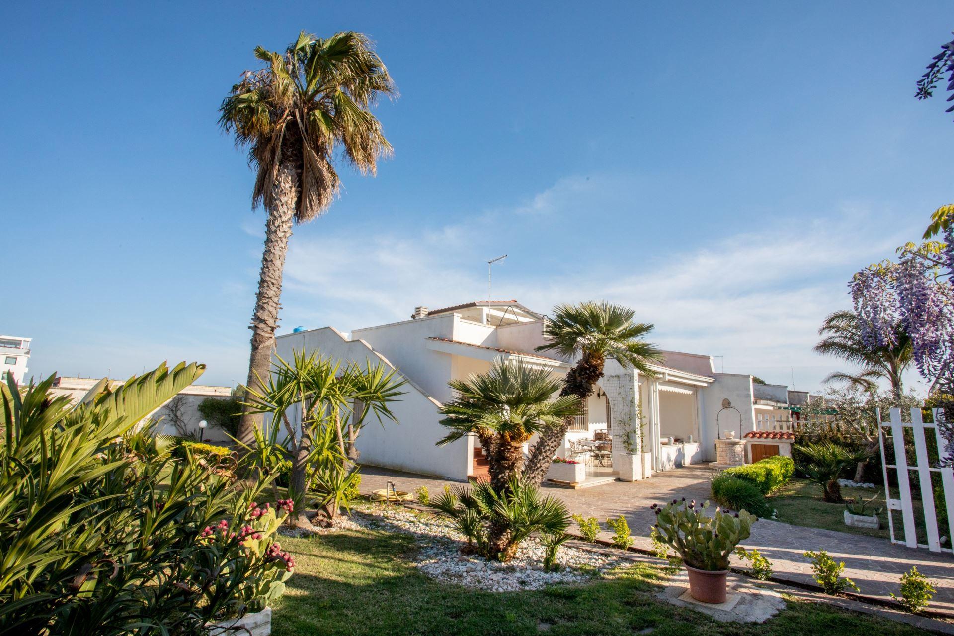 Villa Dasy, villa con giardino vacanze a Torre Lapillo