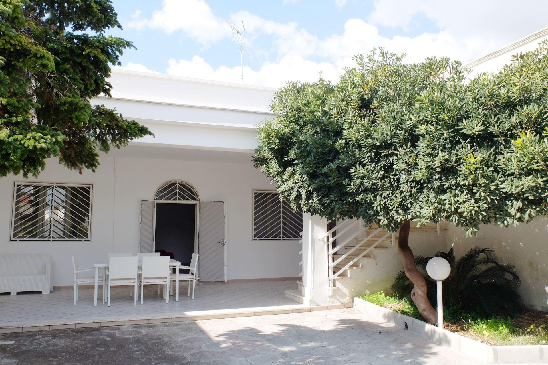 Villa Emma, con giardino nella zona dei lidi