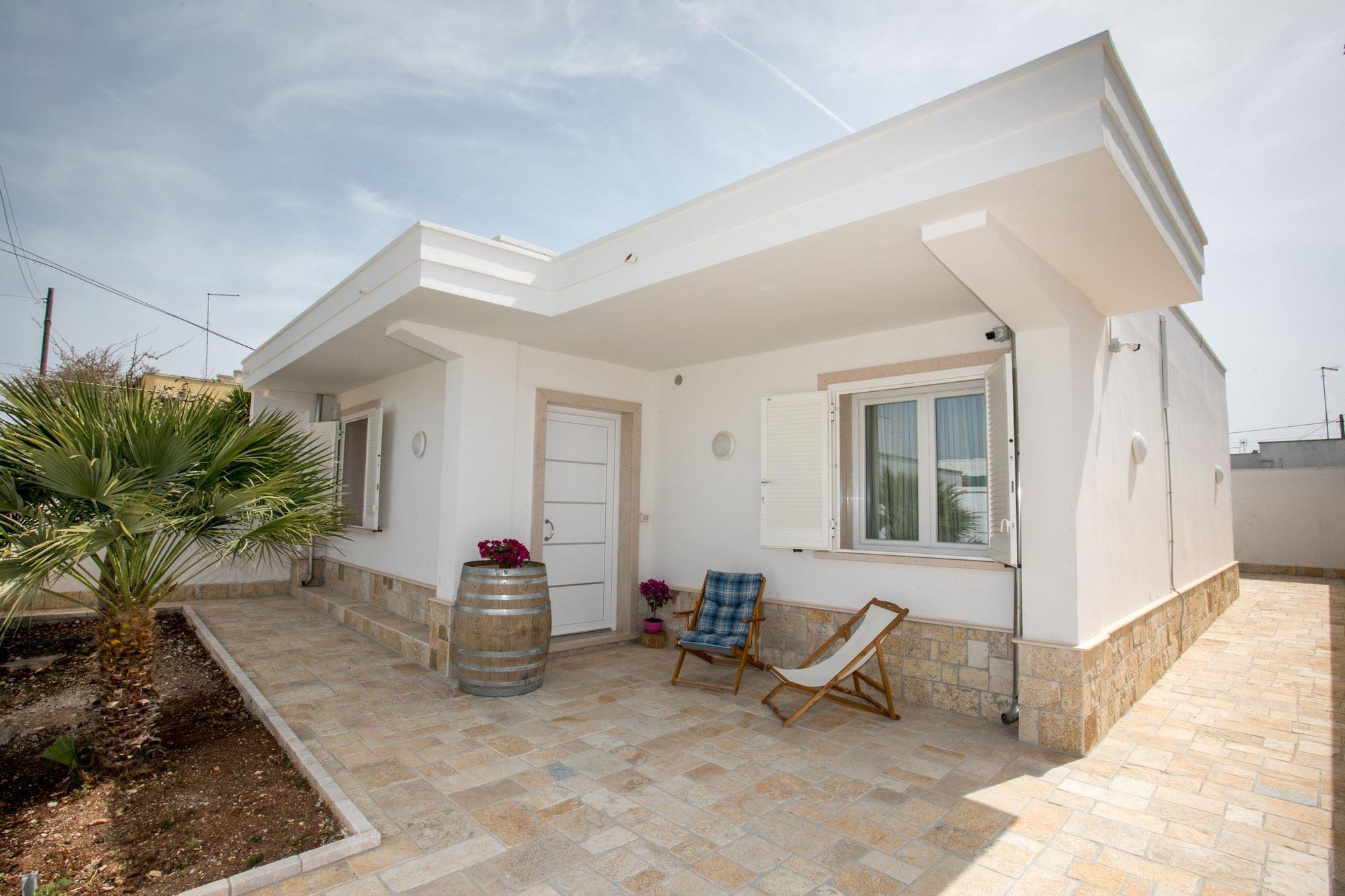 Villa Fenix, con giardino vicino al mare in Salento