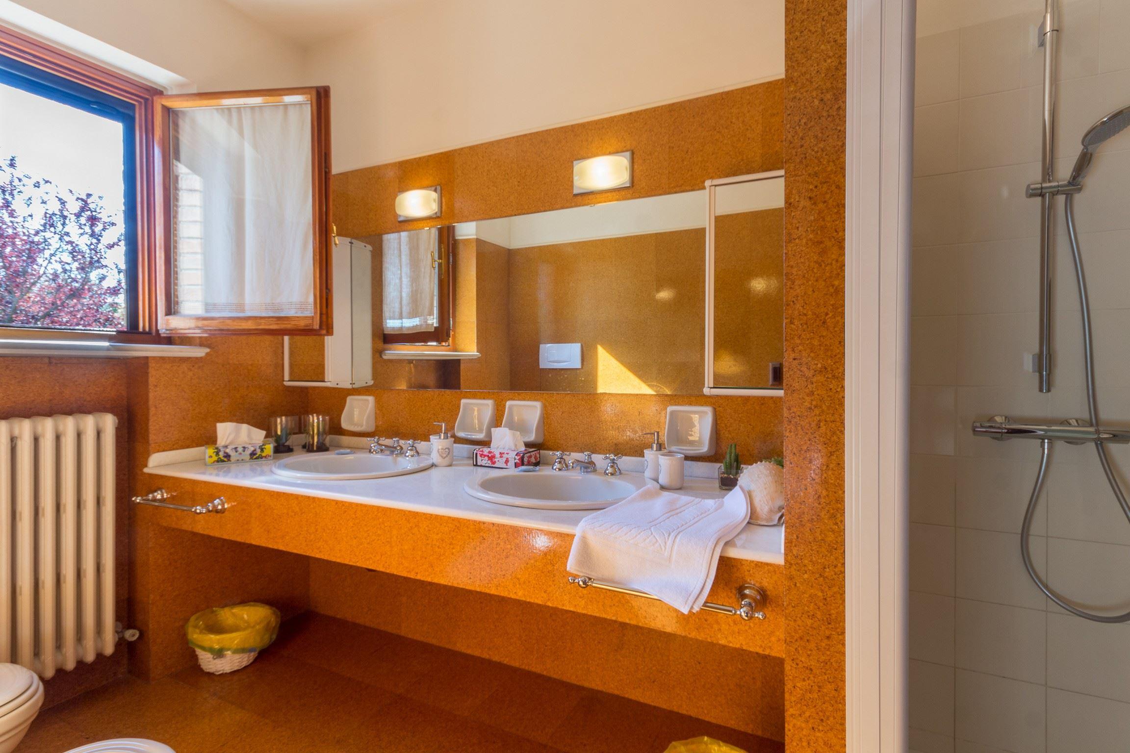 Ferienhaus VILLA MARINA (2195811), Pesaro, Pesaro und Urbino, Marken, Italien, Bild 8
